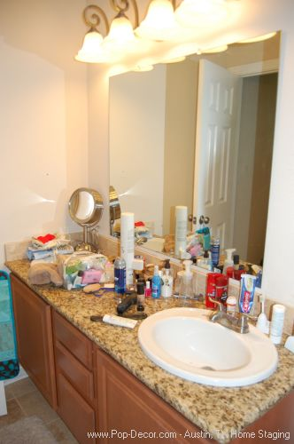 Austin Home Stagers Before Bathroom Picture
